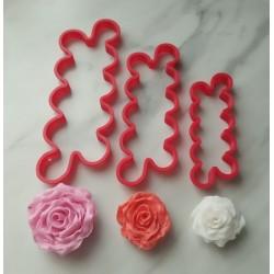 Vykrajovátko na květy růží...